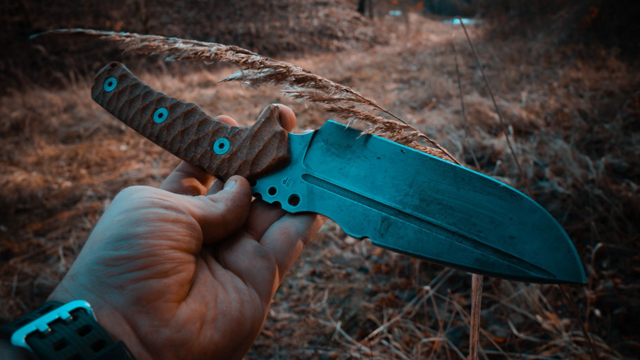 prepper knife feat